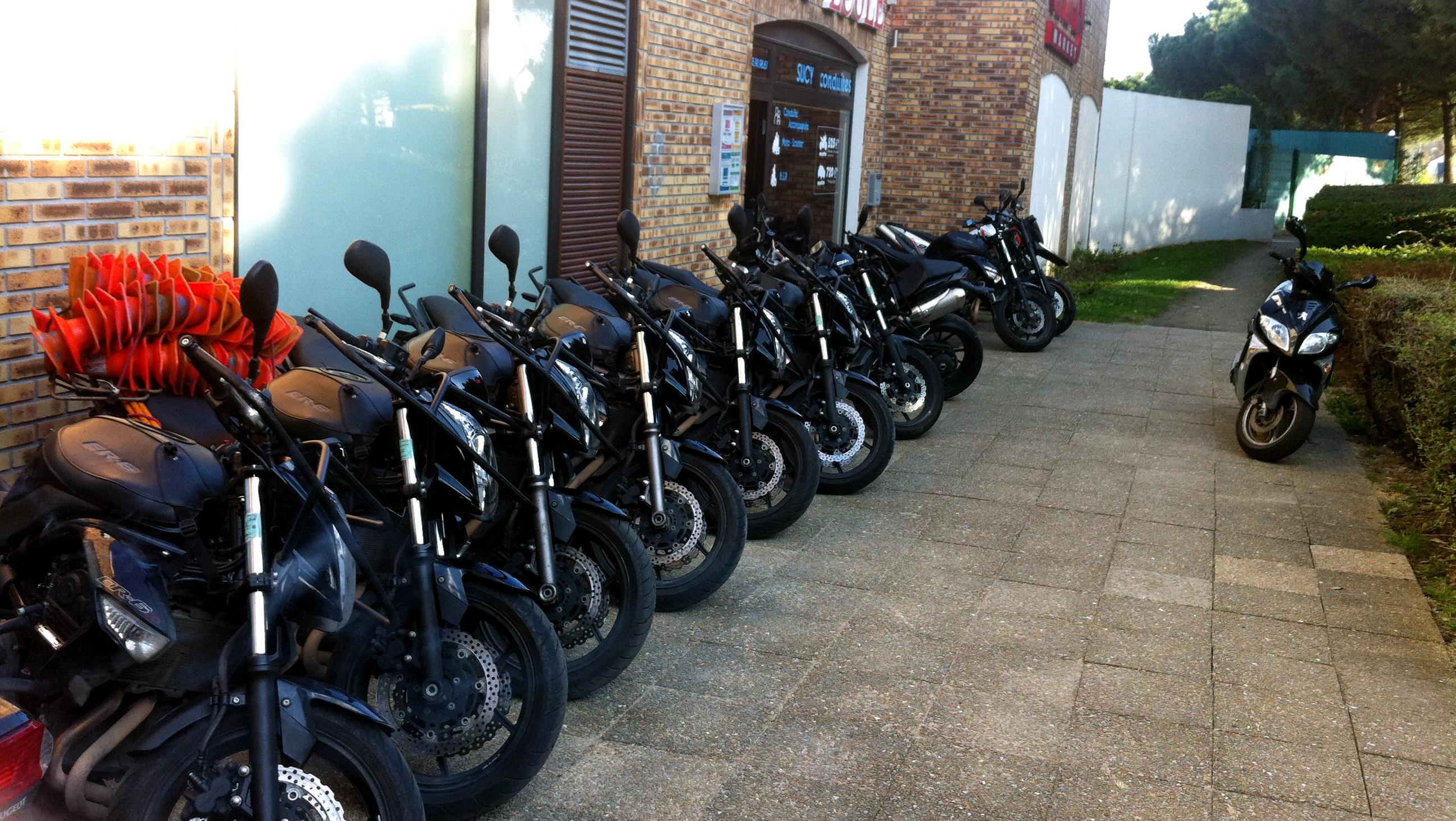 flotte des er6 moto ecole